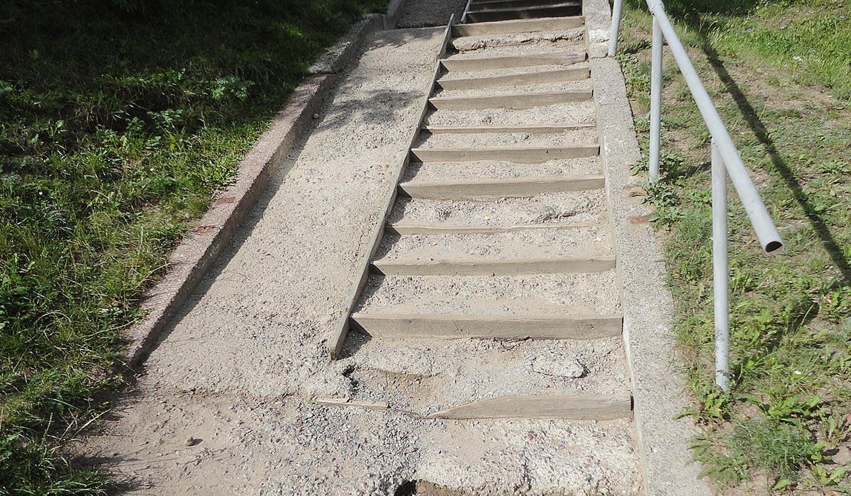 разрушенная лестница, минск
