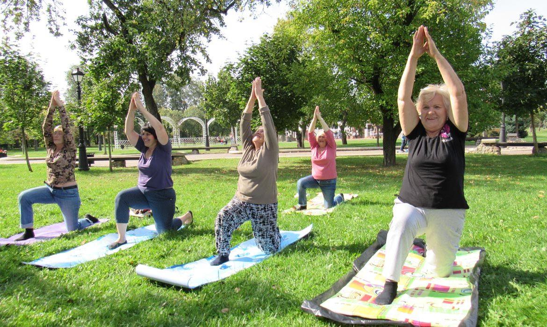 пожилые, йога