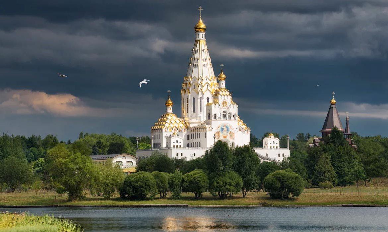 храм-памятник, освящение