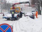 снегопад, расчистка снега, эвакуация автомобиля зимой