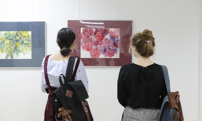 Дзве фарбы, выставка